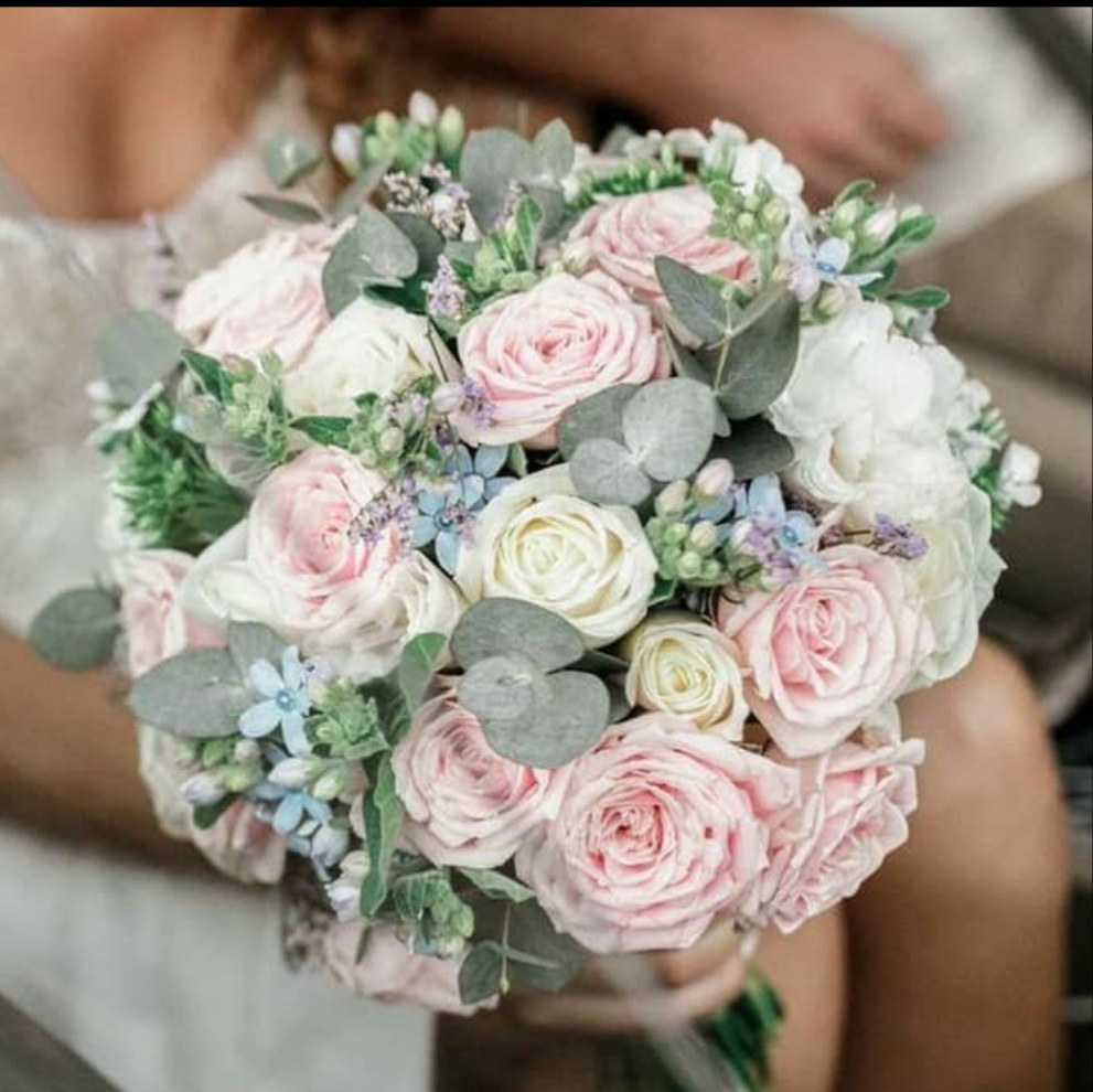 לכלה ורדים צבעוניים